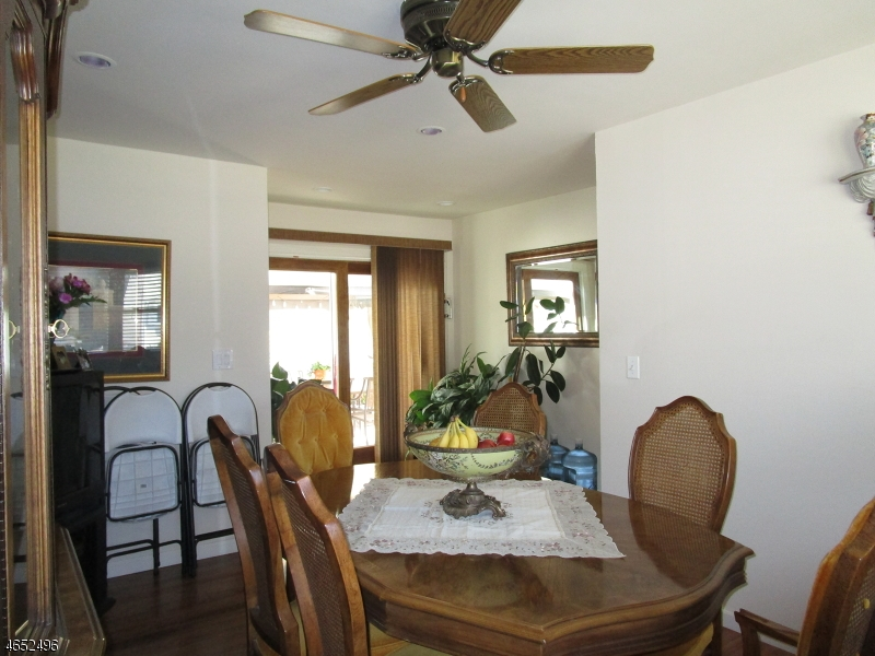 Additional photo for property listing at 39 Wilson Avenue  Totowa Boro, Нью-Джерси 07512 Соединенные Штаты