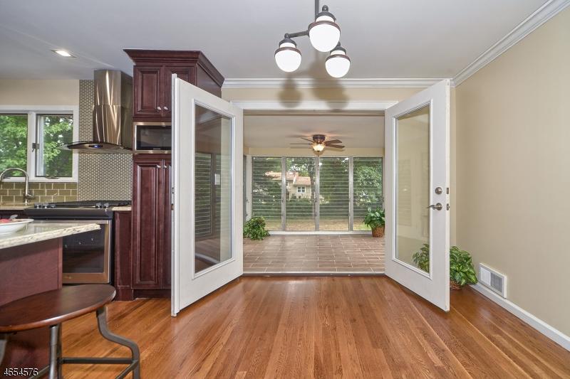 Additional photo for property listing at 30 North Derby Road  Springfield, Нью-Джерси 07081 Соединенные Штаты