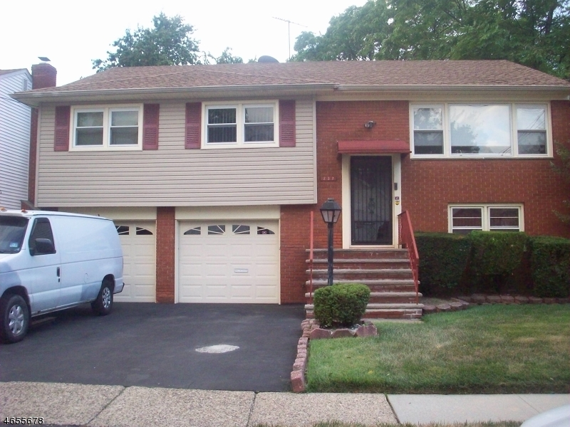 Additional photo for property listing at 232 Oakland Ter  Hillside, Nueva Jersey 07205 Estados Unidos