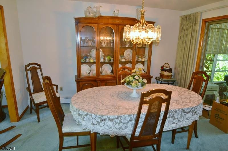 Additional photo for property listing at 11 Eberhardt Road  East Hanover, New Jersey 07936 États-Unis