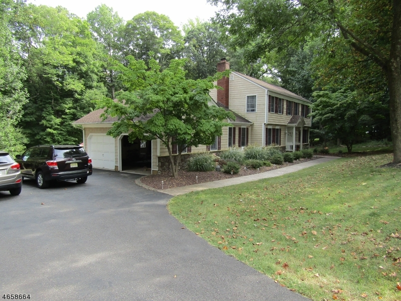 Additional photo for property listing at 2 Sleepy Hollow Drive  Flemington, New Jersey 08822 United States