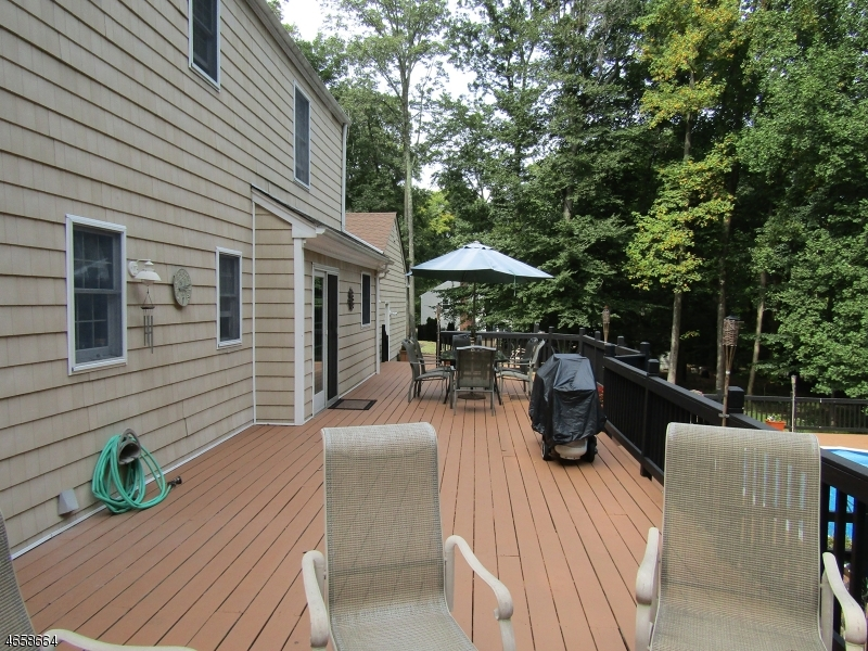 Additional photo for property listing at 2 Sleepy Hollow Drive  Flemington, Nueva Jersey 08822 Estados Unidos