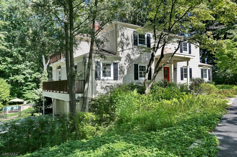 Single Family Home for Sale at 15 Deer Trail Ramsey, New Jersey 07446 United States