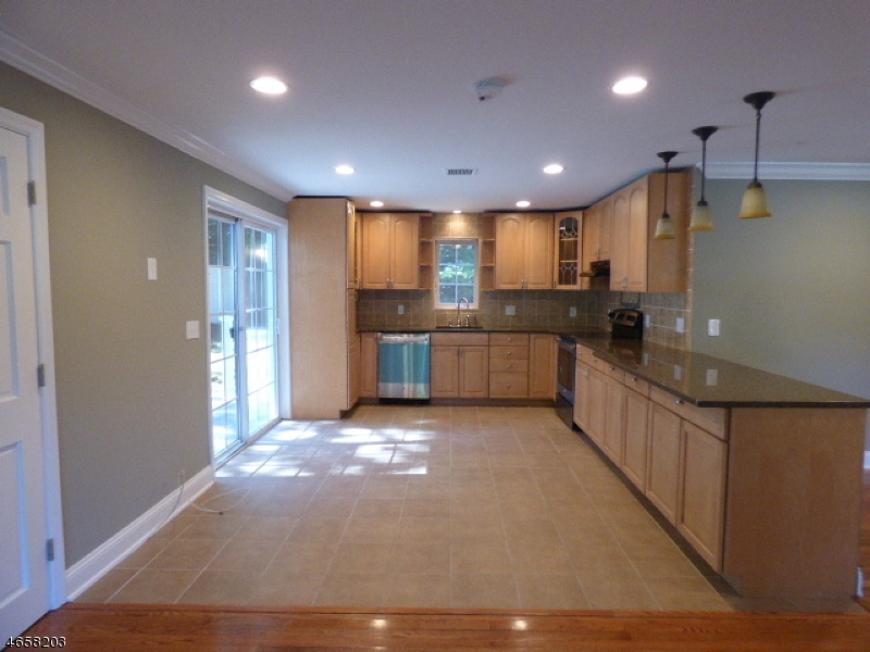 Additional photo for property listing at 12 Mountain View Trail  Wharton, Нью-Джерси 07885 Соединенные Штаты