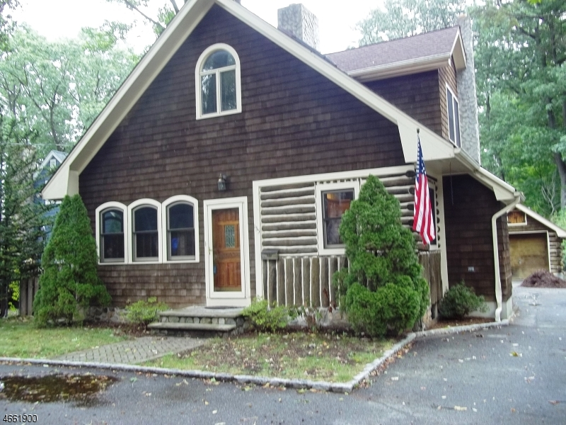 Additional photo for property listing at 135 Fox Hill Road  Denville, Nueva Jersey 07834 Estados Unidos