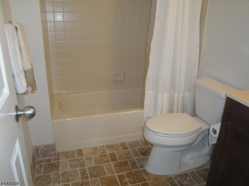 Additional photo for property listing at 53 Alexandria Way  Basking Ridge, New Jersey 07920 États-Unis