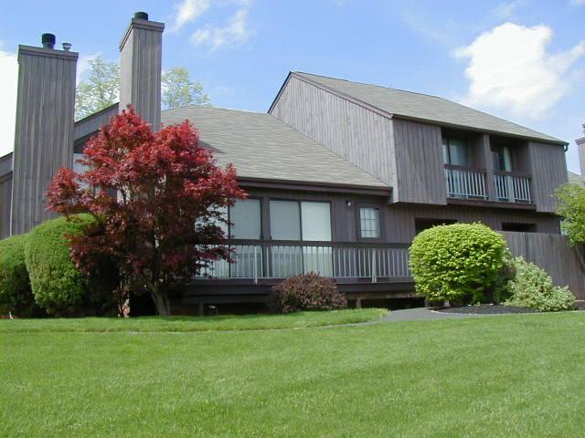 Частный односемейный дом для того Аренда на 31-22 BLOOMINGDALE Drive Hillsborough, Нью-Джерси 08844 Соединенные Штаты