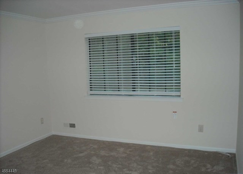 Additional photo for property listing at 101 Mark Twain Way  Mahwah, Нью-Джерси 07430 Соединенные Штаты