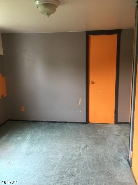 Additional photo for property listing at 129 Weaver Avenue  Bloomfield, Нью-Джерси 07003 Соединенные Штаты