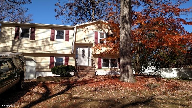 Casa Unifamiliar por un Alquiler en 12 Adair Street Stanhope, Nueva Jersey 07874 Estados Unidos