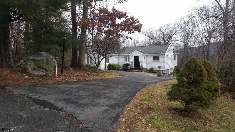 独户住宅 为 出租 在 19 Indian Ter 斯巴达, 新泽西州 07871 美国