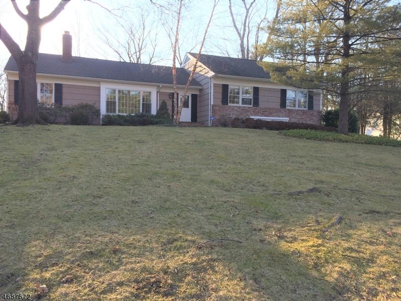 Частный односемейный дом для того Аренда на 22 Dorset Lane Millburn, Нью-Джерси 07078 Соединенные Штаты