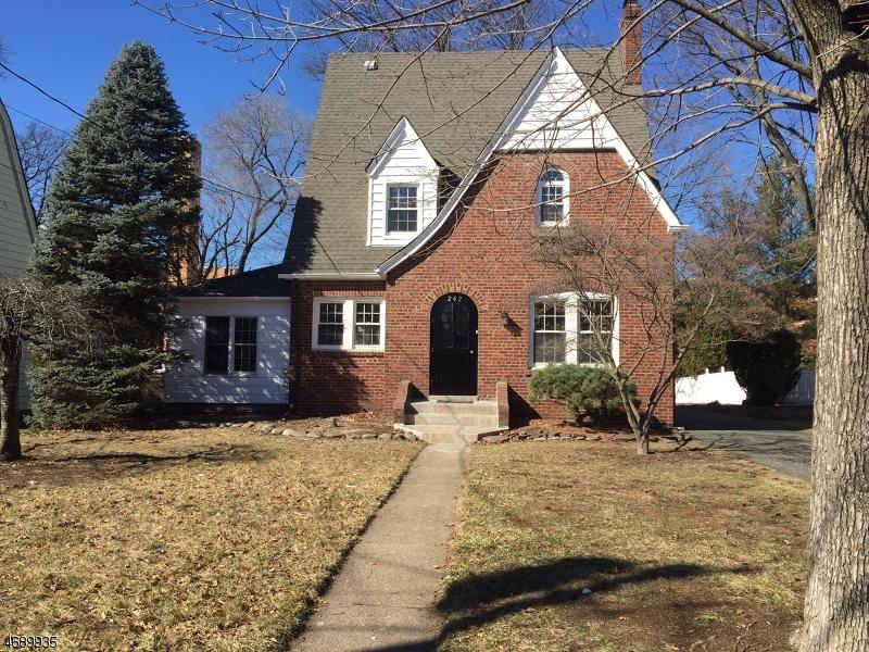 Частный односемейный дом для того Аренда на 242 Steilen Avenue Ridgewood, Нью-Джерси 07450 Соединенные Штаты