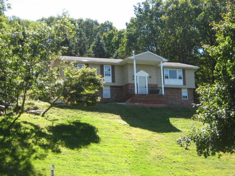 Частный односемейный дом для того Аренда на 3 Baird Drive Denville, Нью-Джерси 07834 Соединенные Штаты