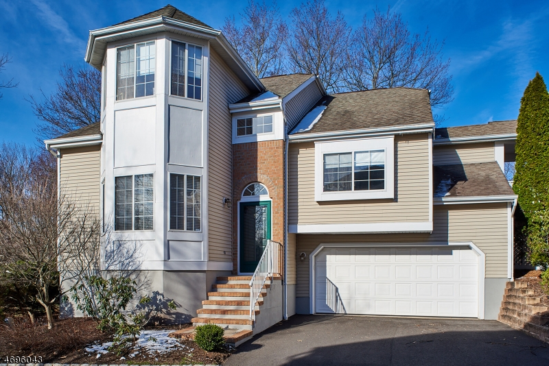 Single Family Home for Sale at 92 Fox Hollow Drive Gillette, New Jersey 07933 United States