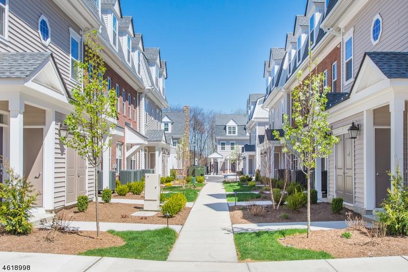 Частный односемейный дом для того Аренда на 56 Price Court Denville, Нью-Джерси 07834 Соединенные Штаты