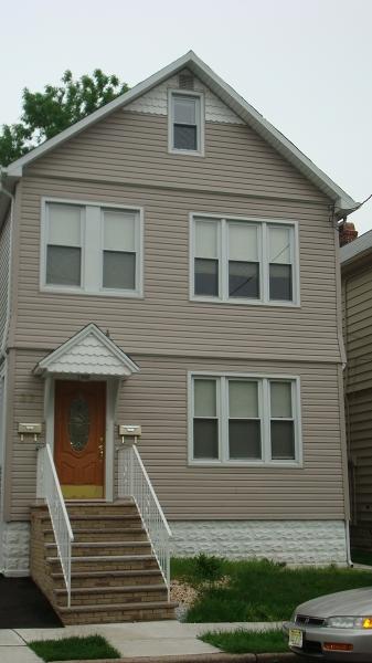 Casa Unifamiliar por un Alquiler en 37 W 11th Street Linden, Nueva Jersey 07036 Estados Unidos