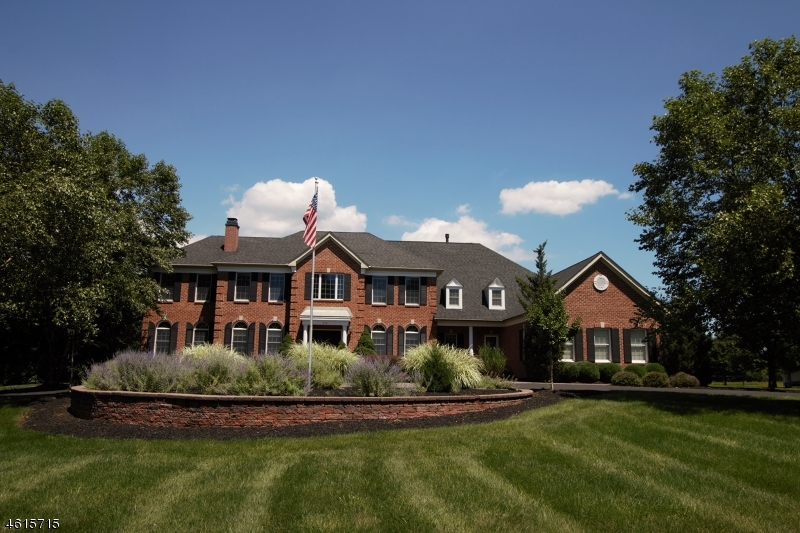 独户住宅 为 销售 在 218 Johns Lane 布兰斯堡, 08853 美国