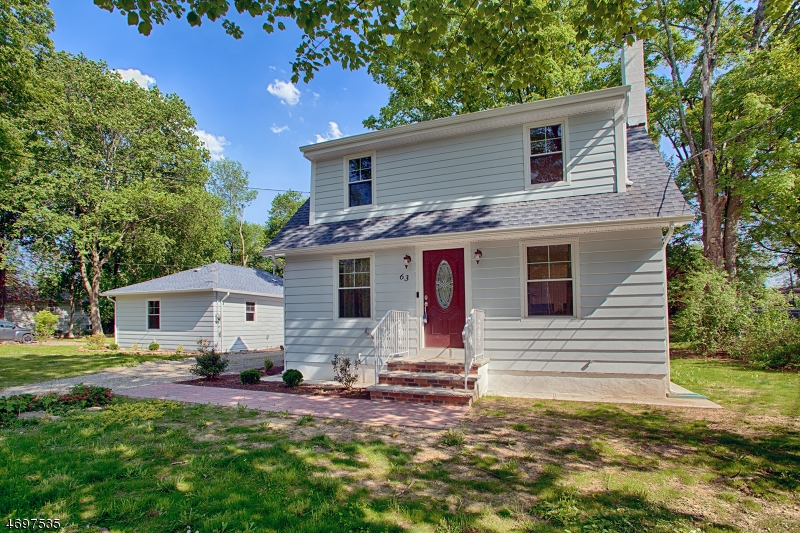 واحد منزل الأسرة للـ Sale في 63 Woodland Road Brookside, New Jersey 07926 United States