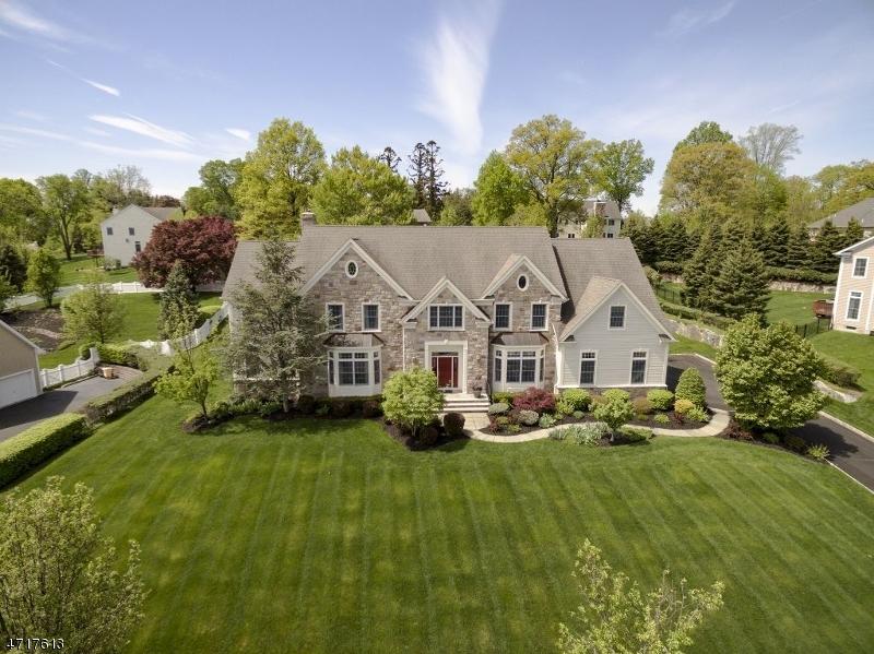 Частный односемейный дом для того Аренда на 19 SPENCER Drive Morristown, Нью-Джерси 07960 Соединенные Штаты