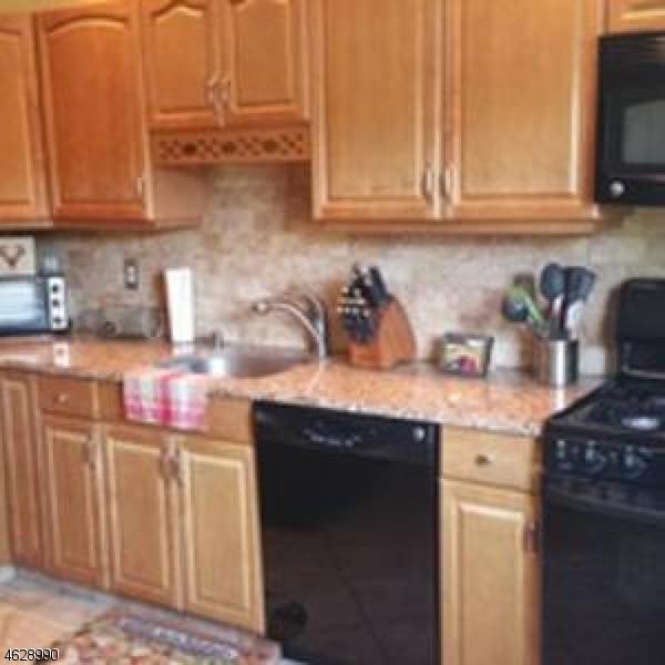Maison unifamiliale pour l à louer à 688 Bloomfield Avenue Nutley, New Jersey 07110 États-Unis