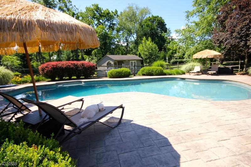 独户住宅 为 销售 在 406 Greens Ridge Road Greenwich, 新泽西州 08886 美国
