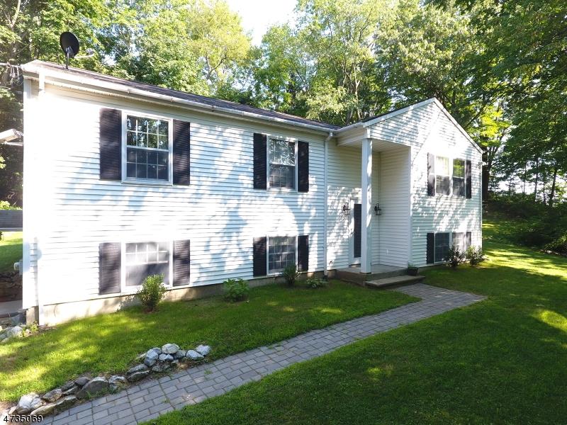 Casa Unifamiliar por un Venta en 24 Buckwheat Road Franklin, Nueva Jersey 07416 Estados Unidos