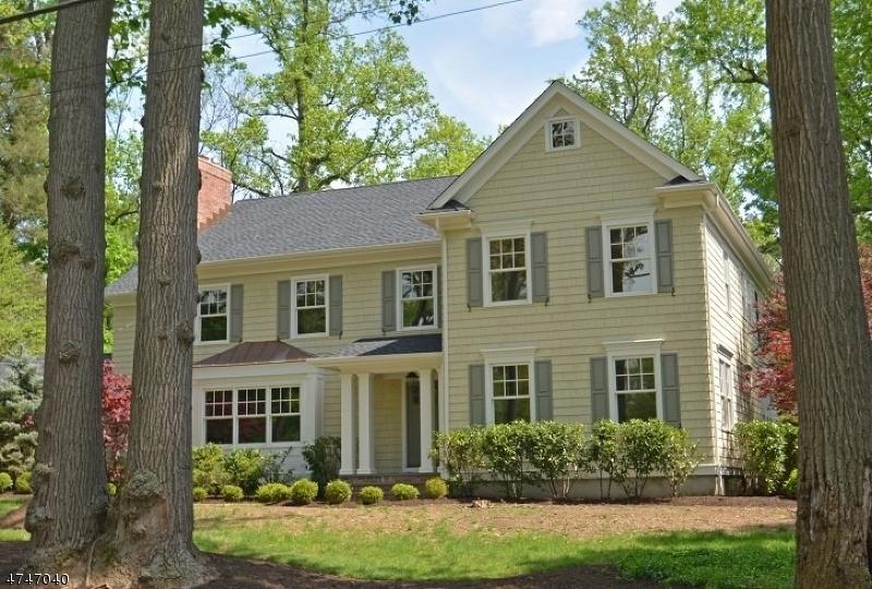 Casa Unifamiliar por un Venta en 142 Oakwood Drive New Providence, Nueva Jersey 07974 Estados Unidos