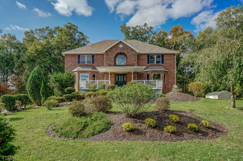 Additional photo for property listing at 35 Swan Lane 35 Swan Lane Jefferson Township, New Jersey 07849 Amerika Birleşik Devletleri