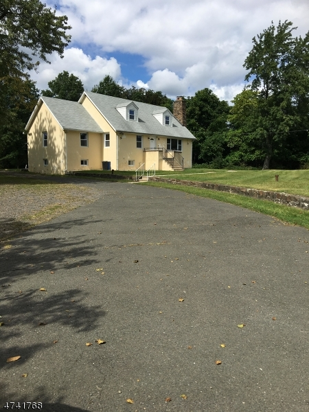 Additional photo for property listing at 415 Oldham Road  Wayne, Nova Jersey 07470 Estados Unidos