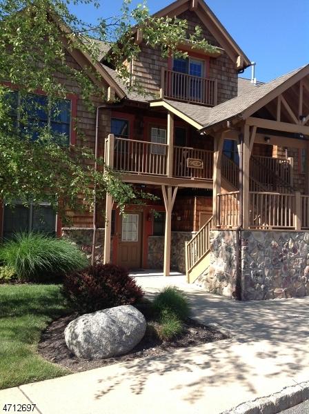 Частный односемейный дом для того Аренда на 6-13 PINE CRES Vernon, Нью-Джерси 07462 Соединенные Штаты