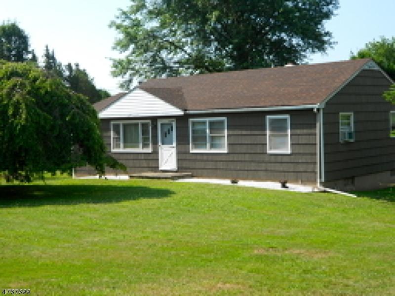 Nhà ở một gia đình vì Bán tại 55 Robbins Road Branchburg, New Jersey 08876 Hoa Kỳ