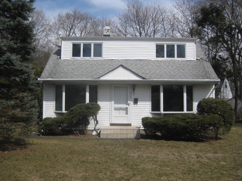 Single Family Home for Sale at 635 Bartell Place Ridgewood, New Jersey 07450 United States
