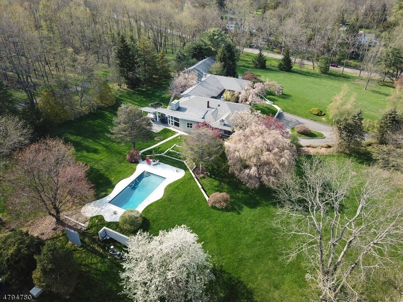 Villa per Vendita alle ore 27 Washington Valley Road Mendham, New Jersey 07960 Stati Uniti