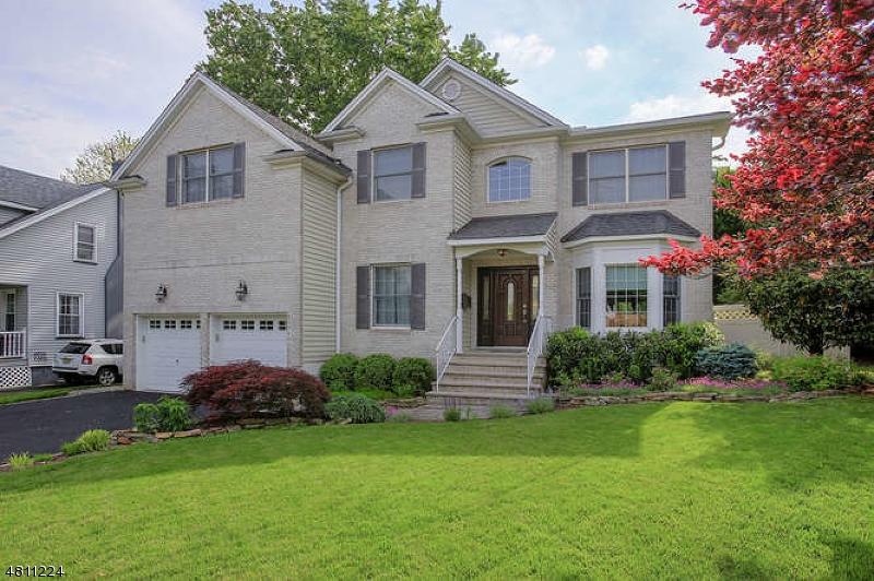 独户住宅 为 销售 在 3 BROAD Street 克兰弗德, 新泽西州 07016 美国