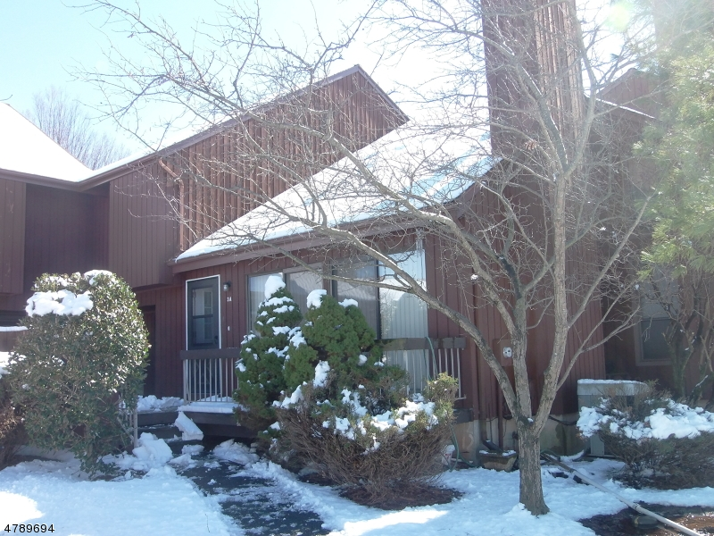 公寓 / 联排别墅 为 出租 在 26 BLOOMINGDALE DR 3A 希尔斯堡, 新泽西州 08844 美国