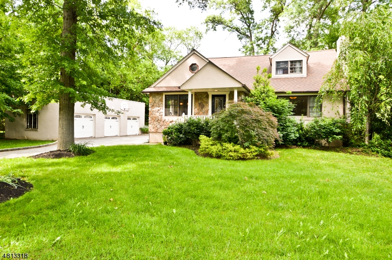 Single Family Home for Sale at 897 BEST Court Ridgewood, New Jersey 07450 United States