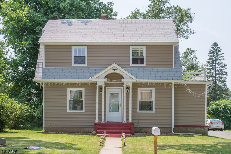 Single Family Home for Sale at 27 BASSETT Avenue Mine Hill, New Jersey 07803 United States