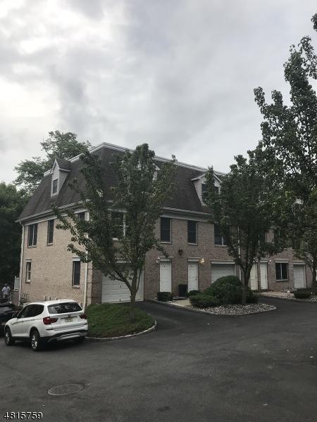 Condominio/ Casa de pueblo por un Alquiler en 43 FORD Avenue Morristown, Nueva Jersey 07960 Estados Unidos