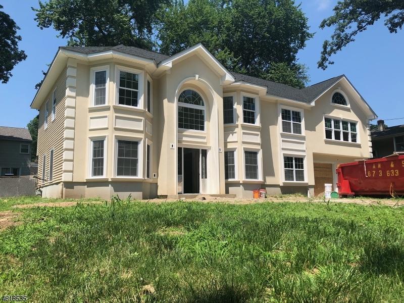 Casa Unifamiliar por un Venta en 205 CENTERTON Drive Parsippany, Nueva Jersey 07054 Estados Unidos
