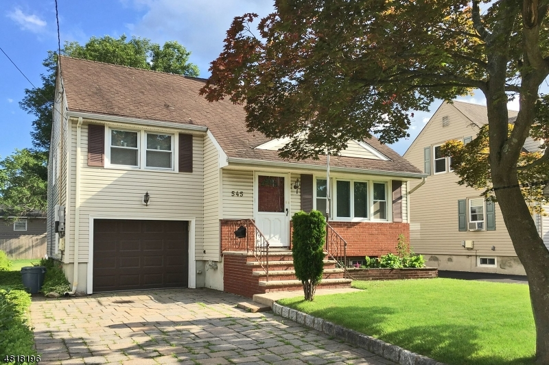 Single Family Home for Sale at 545 Spruce Avenue Garwood, New Jersey 07027 United States