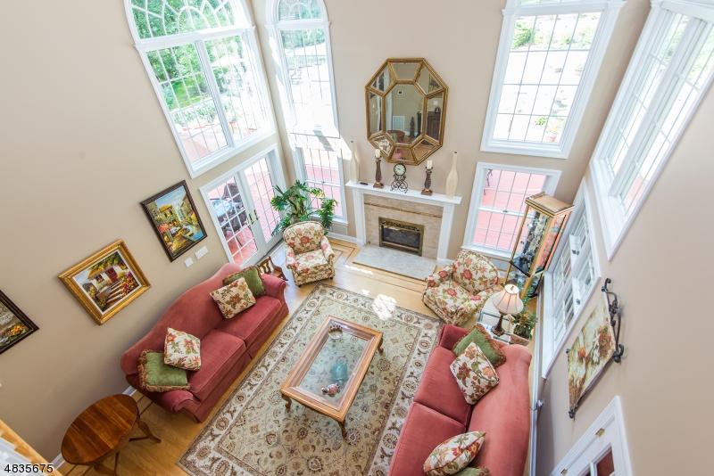 Villa per Vendita alle ore 140 ROCKBURN PASS West Milford, New Jersey 07480 Stati Uniti