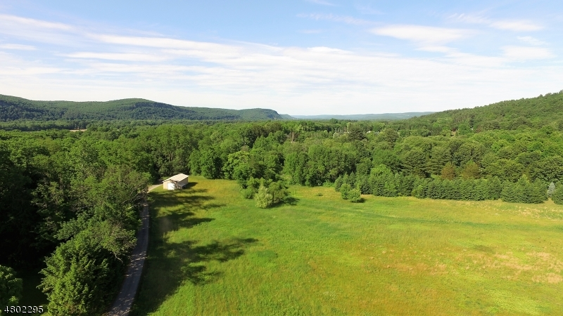 Additional photo for property listing at 197 River Road  Montague, New Jersey 07827 United States