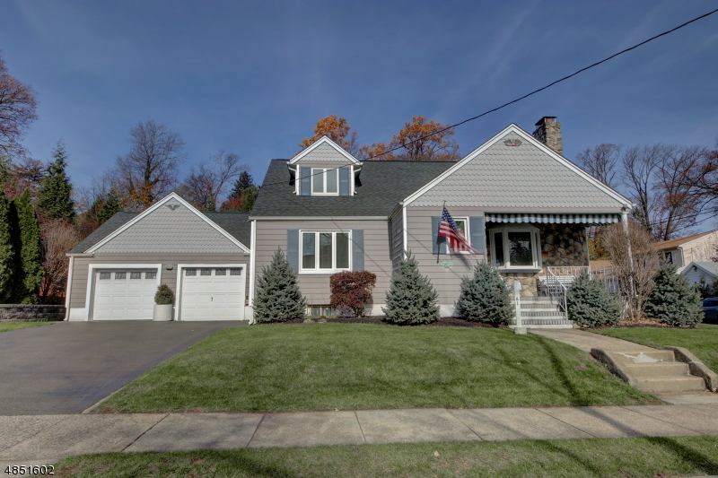 Single Family Home for Sale at 81 KING Street Haledon, New Jersey 07508 United States
