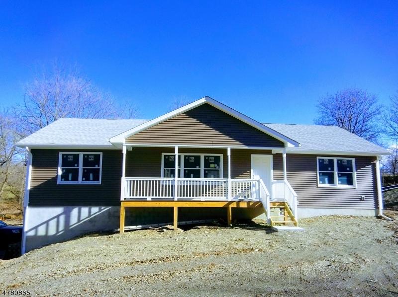 Частный односемейный дом для того Продажа на 45 Lanning Road Frelinghuysen Township, Нью-Джерси 07825 Соединенные Штаты