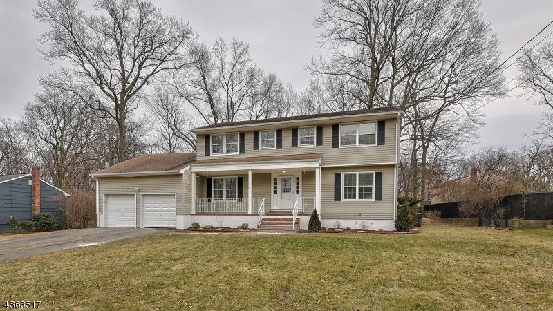 Частный односемейный дом для того Продажа на 17 JUNIPER Drive Hanover, Нью-Джерси 07927 Соединенные Штаты