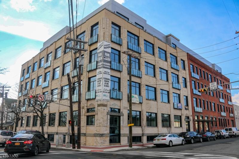 Кондо / дом для того Аренда на 274 LAFAYETTE Street Newark, Нью-Джерси 07105 Соединенные Штаты