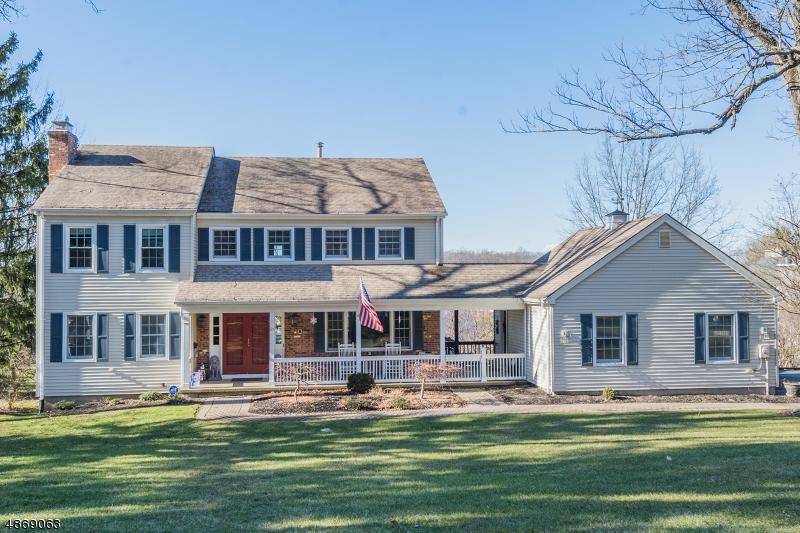 Casa Unifamiliar por un Venta en 57 BALD EAGLE Road Allamuchy, Nueva Jersey 07840 Estados Unidos