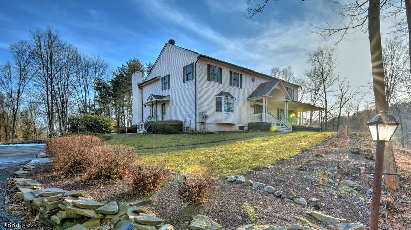 Частный односемейный дом для того Продажа на 55 Fredon-Greendell Road Fredon, Нью-Джерси 07860 Соединенные Штаты