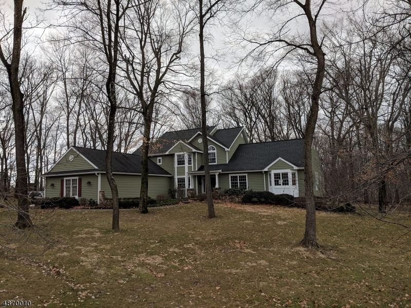 Single Family Home for Sale at 17 BENJAMIN Trail Hopewell, New Jersey 08534 United States